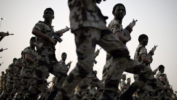 Members of the Saudi special police unit march during a military parade in Mecca on September 17, 2015. - Sputnik International
