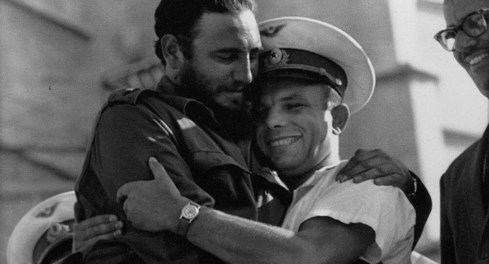 Fidel Castro meets cosmonaut Yuri Gagarin