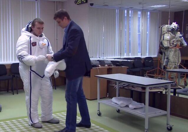Meet Polar Bear, Heat-Shielding Space Suit
