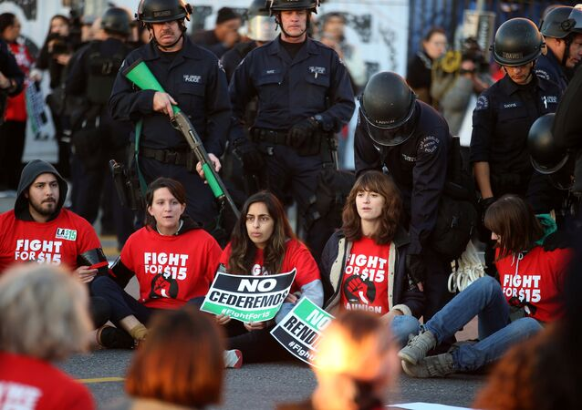 Arrests, Rallies as #FightFor15 Organizes Nationwide Strike Across the US