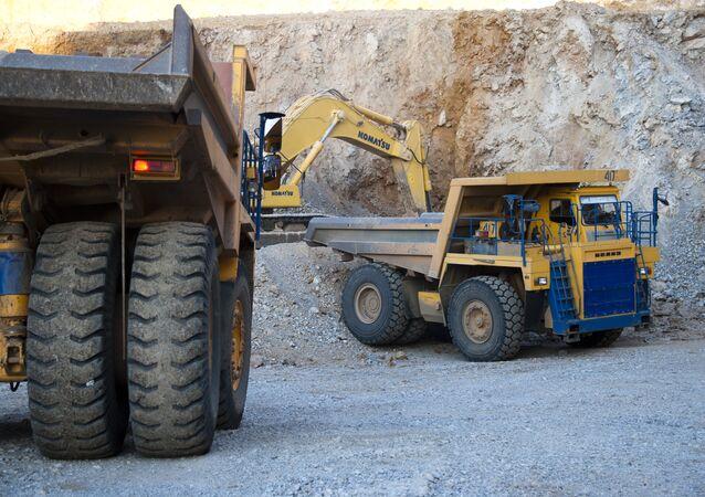 Gold deposit development