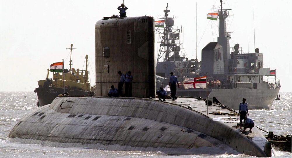 A Indian kilo class submarine is anchored off the shore of the Gateway of India (File)