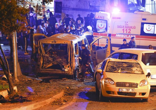 Police arrive at the site of an explosion in central Istanbul, Turkey, December 10, 2016