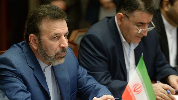 Minister of Information and Communications Technology of Iran Mahmoud Vaezi (L) - Sputnik International