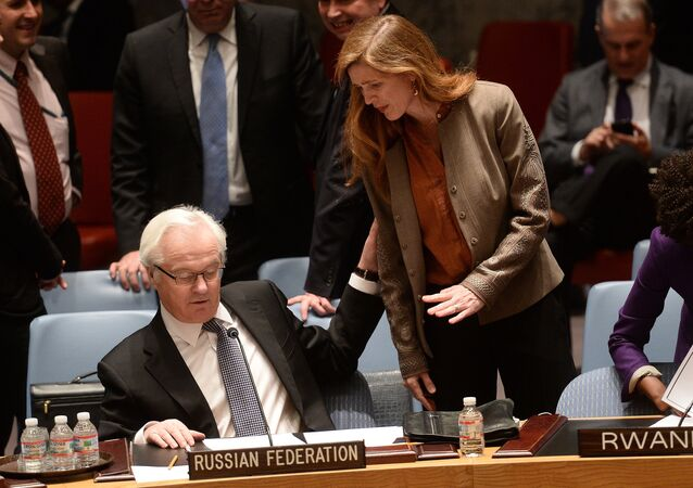 US Ambassador to the UN Samantha Power talks with her Russian counterpart Vitaly Churkin prior to a vote on a resolution on Ukraine during a UN Security Council emergency meeting at United Nations headquarters in New York. (File)
