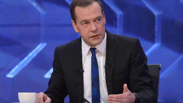 Prime Minister Dmitry Medvedev gives interview to Russian TV channels - Sputnik International