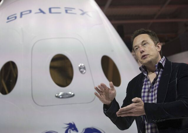 SpaceX CEO Elon Musk speaks after unveiling the Dragon V2 spacecraft in Hawthorne, California, US on May 29, 2014.