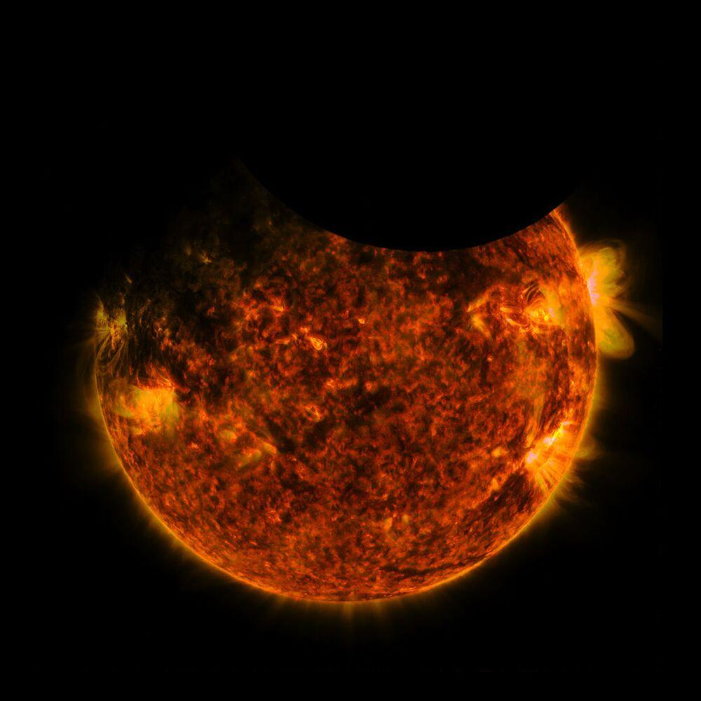 A double solar eclipse