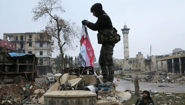 Servicemen in the liberated district of eastern Aleppo. file photo - Sputnik International