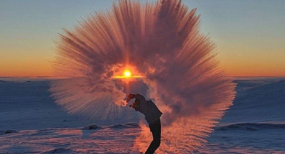 Boiling water in the cold
