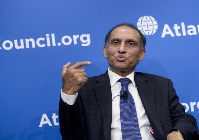 Pakistani Foreign Secretary Aizaz Ahmad Chaudhry speaks at the Atlantic Council June 4, 2015 in Washington, DC