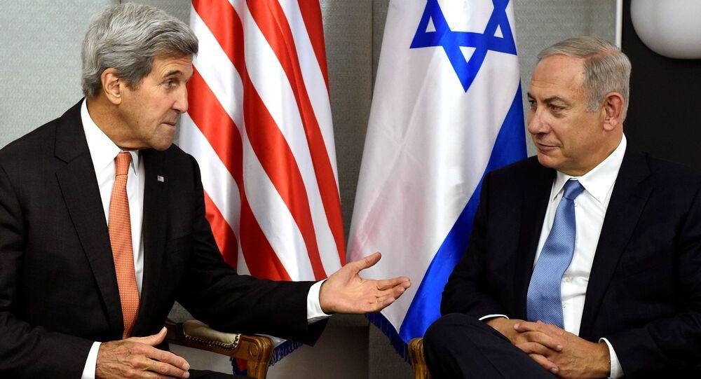 U.S. Secretary of State John Kerry (L) meets with Israeli Prime Minister Benjamin Netanyahu in Manhattan, New York, U.S. (File)