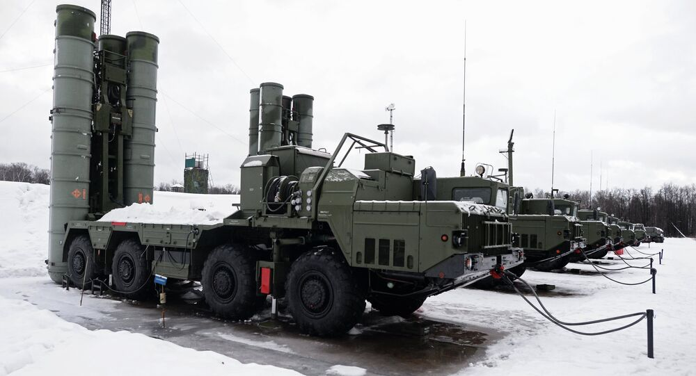 The launch units of a S-400 Triumf air defense missile system, which has entered service with the Moscow Region's air defense aerospace force. (File)