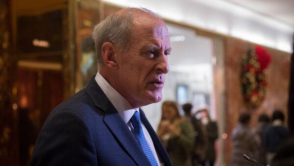 US Senator Dan Coats speaks to the media in the lobby of Trump Tower in New York. (File) - Sputnik International