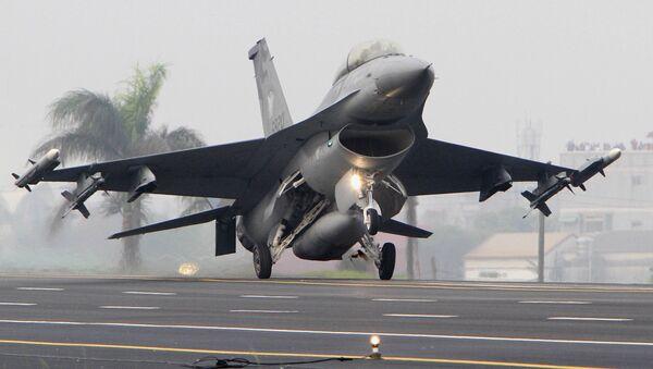 Taiwan Air Force F-16 fighter (File) - Sputnik International