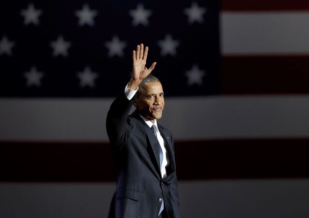 U.S. President Barack Obama acknowledges the crowd as he arrives to deliver his farewell address in Chicago, Illinois, U.S., January 10, 2017