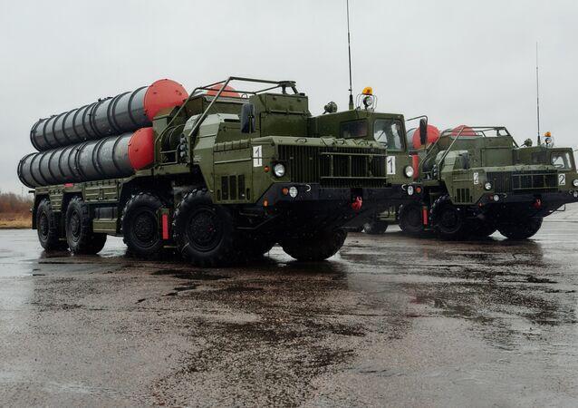 Triumf S-400 anti air missile systems