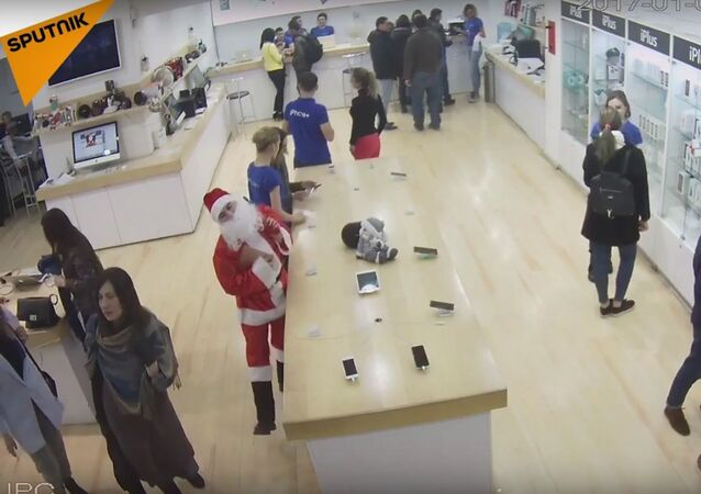 Santa Steals A Laptop From A Store