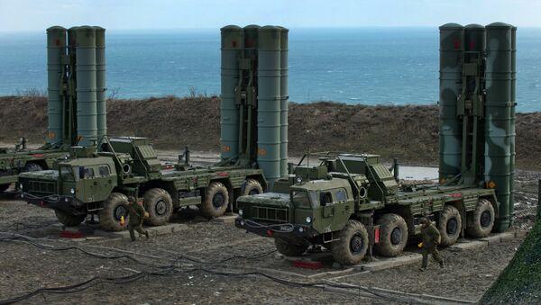 S-400 regiment enters on duty in Crimea - Sputnik International
