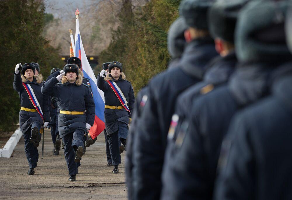 'Triumf' and Glory: Russia's Advanced S-400 Regiment Enters Service in Crimea