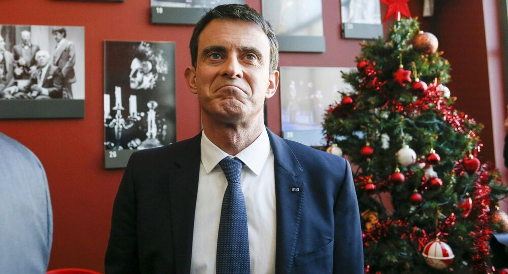 Manuel Valls, former French prime minister and presidential primary candidate, visits the TNP (National Popular Theater) as he campaigns in Villeurbanne, France, January 17, 2017.