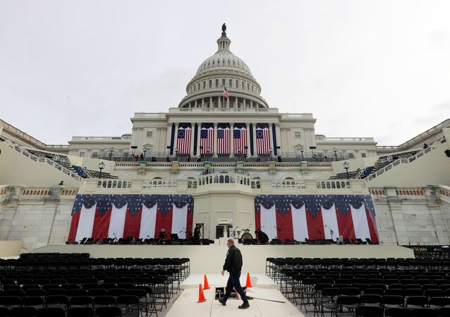 Workers prepare for the inauguration of US President-Elect Donald Trump at the U.S. Capitol in Washington, DC, US, January 19, 2017.