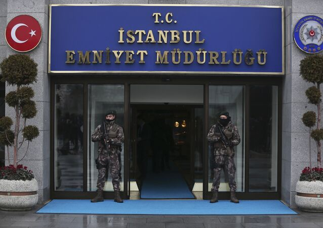Turkish police officers stand guard at Istanbul Police Department (File)