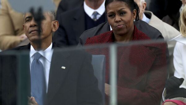 Outgoing US first lady Michelle Obama looking disinterested during the 2017 inauguration ceremonies. - Sputnik International