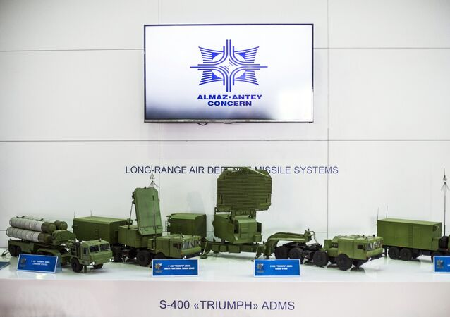 S-400 Triumph air defense system mock-up displayed by the Almaz-Antei mount at the 2015 Dubai Airshow