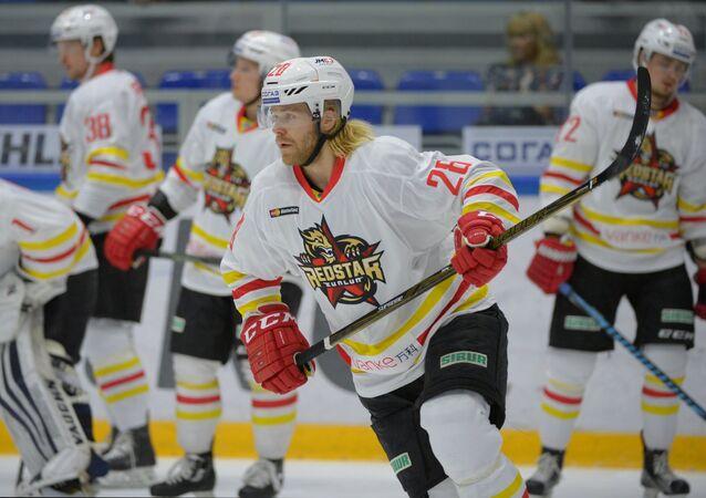 Kunlun's Miika Lahti before a regular championship match of the Kontinental Hockey League between Torpedo (Nizhny Novgorod, Russia) and Kunlun Red Star (Beijing, China). File photo