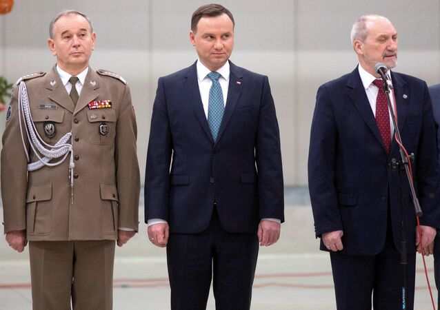 Chief of General Staff of the Polish Army general Mieczyslaw Gocul, Polish President Andrzej Duda, Polish Defence Minister Antoni Macierewicz (File)