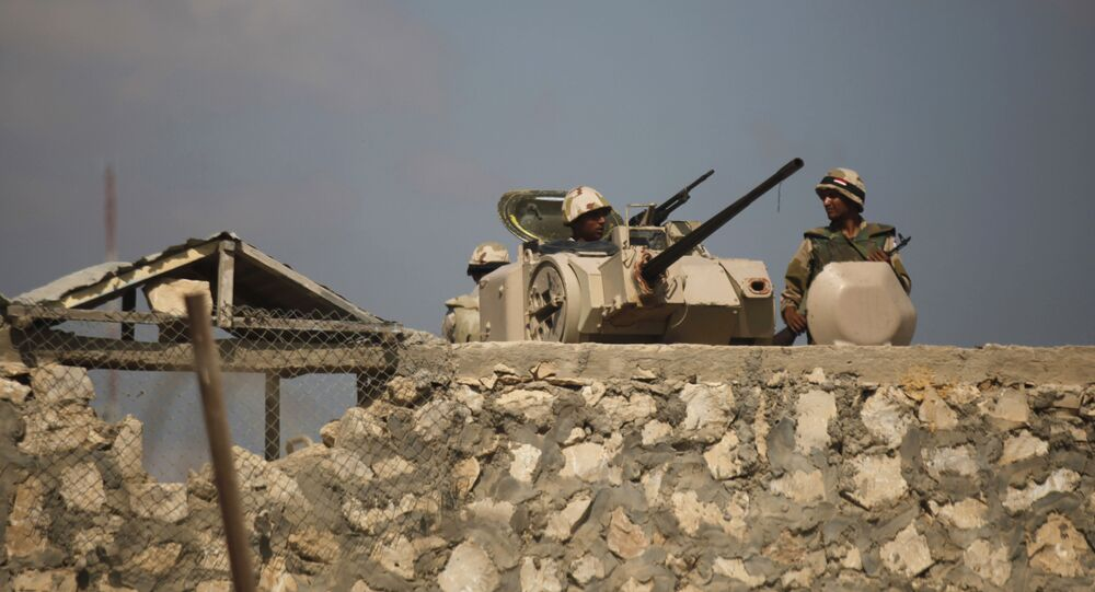 Egyptian army soldiers stand guard on the border with Egypt in Rafah, southern Gaza Strip (File)