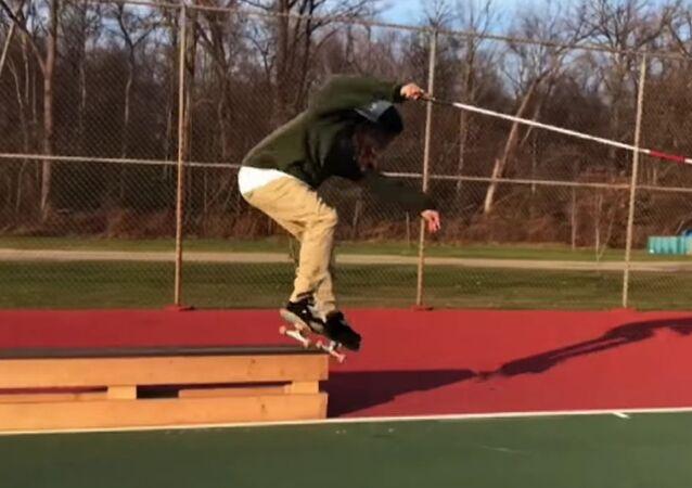 Blind skateboarder Dan Mancia skates better than you