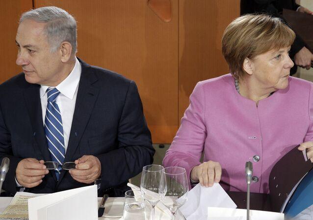 Israeli Prime Minister Benjamin Netanyahu and German Chancellor Angela Merkel
