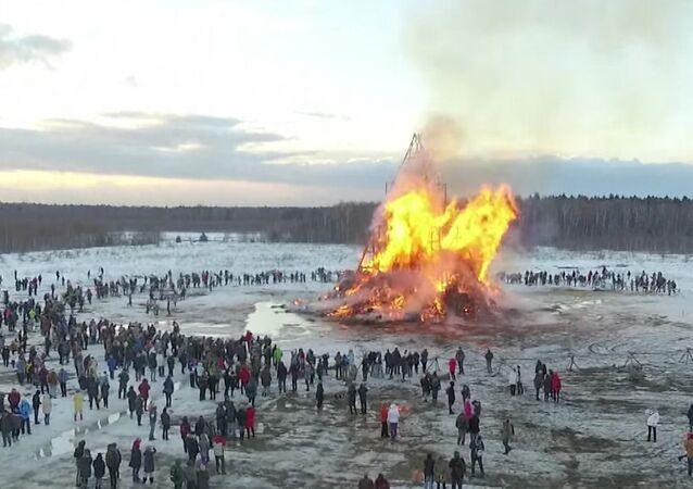 Massive Sculpture Burning At Maslenitsa Party