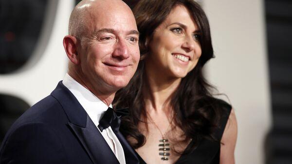 89th Academy Awards - Oscars Vanity Fair Party - Beverly Hills, California, U.S. - 26/02/17 – Amazon's Jeff Bezos and his wife MacKenzie Bezos.  - Sputnik International