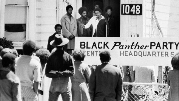 Black Panther Party Chairman Bobby Seale  speaks outside of Party headquarters,1971 - Sputnik International