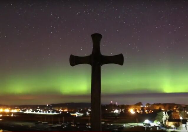 Amazing footage of the Northern Lights as star-gazers watch the stunning display across the UK