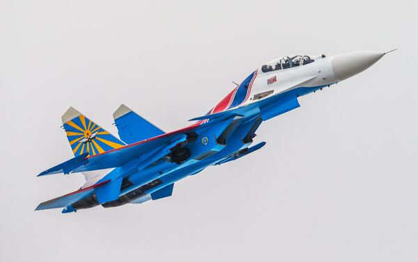 Russian Knights aerobatic team - Sputnik International