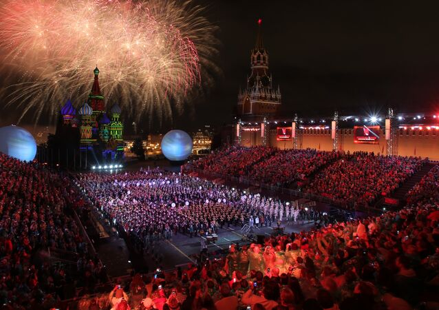 2016 Spasskaya Tower International Military Music Festival closes in Moscow