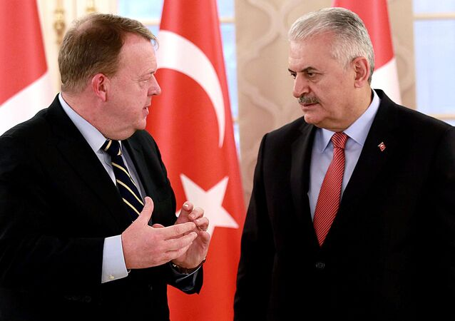 Turkish Prime Minister Binali Yildirim (R) speaking with his Danish counterpart Lars Lokke Rasmussen after a press conference following their meeting at the Cankaya Palace in Ankara. (File)