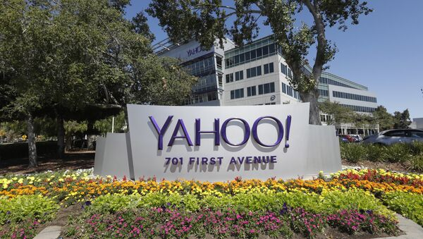Yahoo sign at the company's headquarters in Sunnyvale, Calif. (File) - Sputnik International