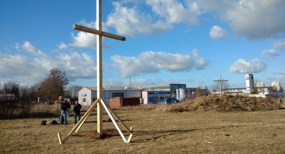 Crosses at the site of the planned Erfurt mosque