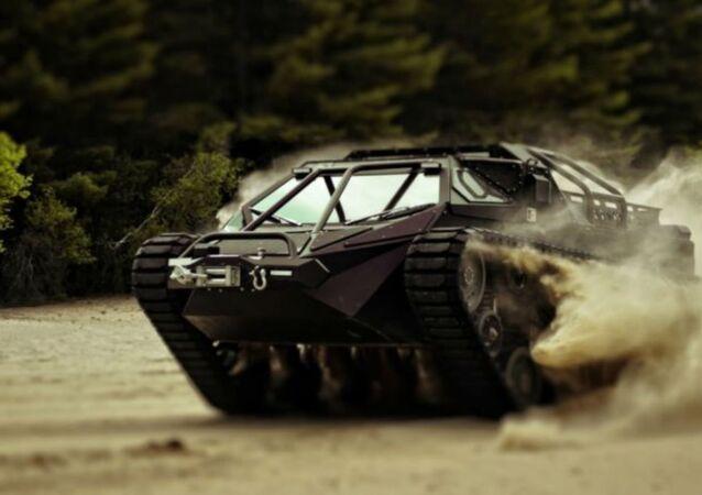Ripsaw Luxury Super Tank