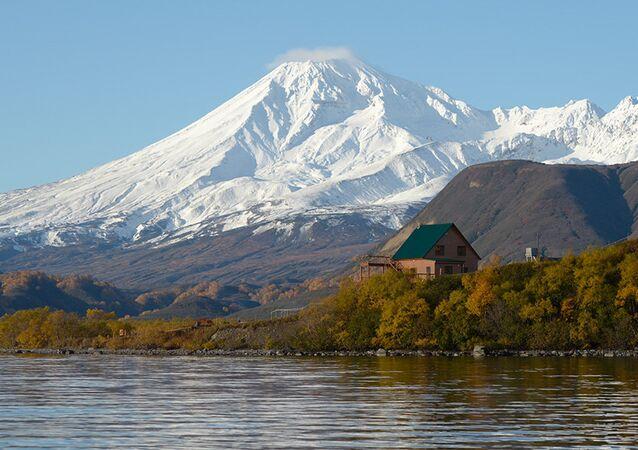 Kambalny volcano
