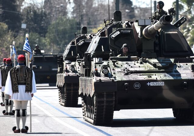 Greek soldiers parade on March 25, 2017 in Athens, during a military parade marking Greece's Independence Day