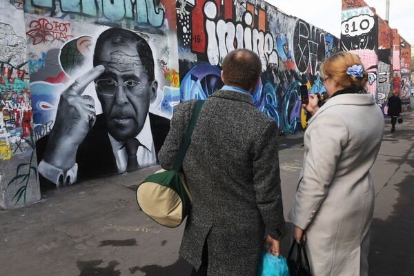 Celebrated in the Streets: Politicians Immortalized by Striking Graffiti Images - Sputnik International