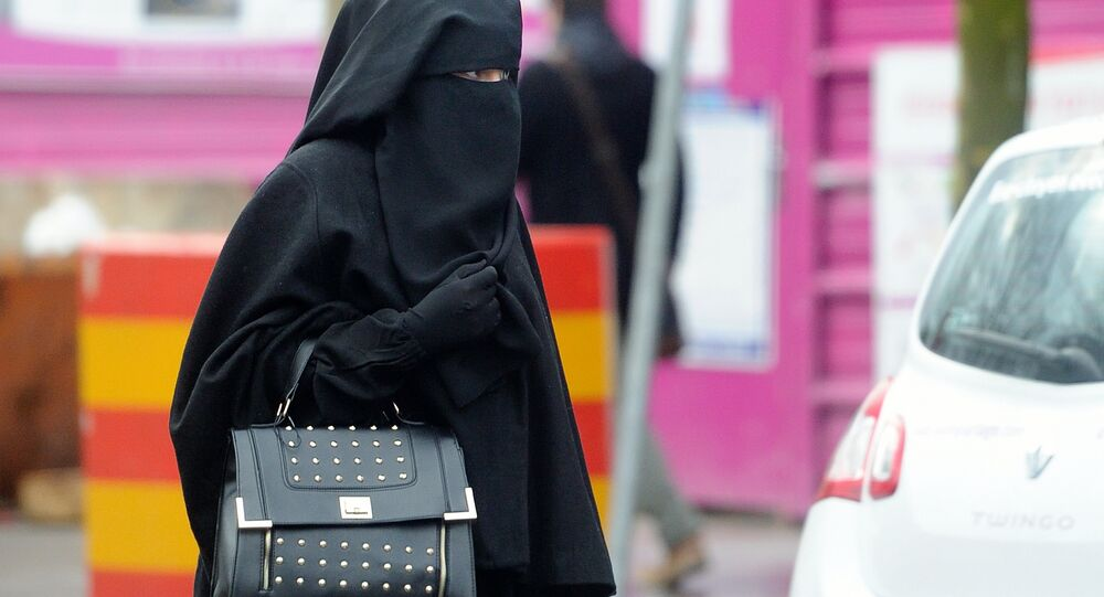 Woman wearing a niqab (file)