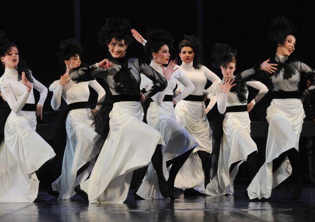A scene from play Anna Karenina staged by Anzhelika Kholina at Vakhtangov Theater
