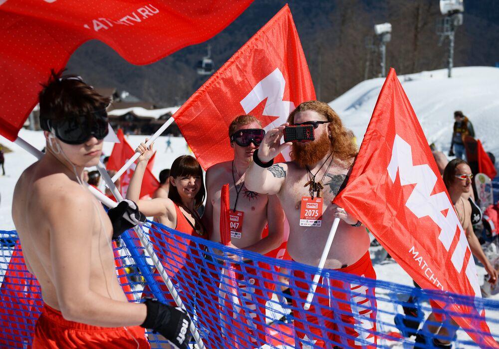 Snow, Skiing and Bikini Babes: BoogelWoogel Alpine Carnival Rocks Sochi
